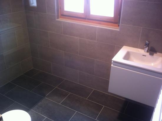 Salle de bain après rénovation (carrelage 30x60cm)