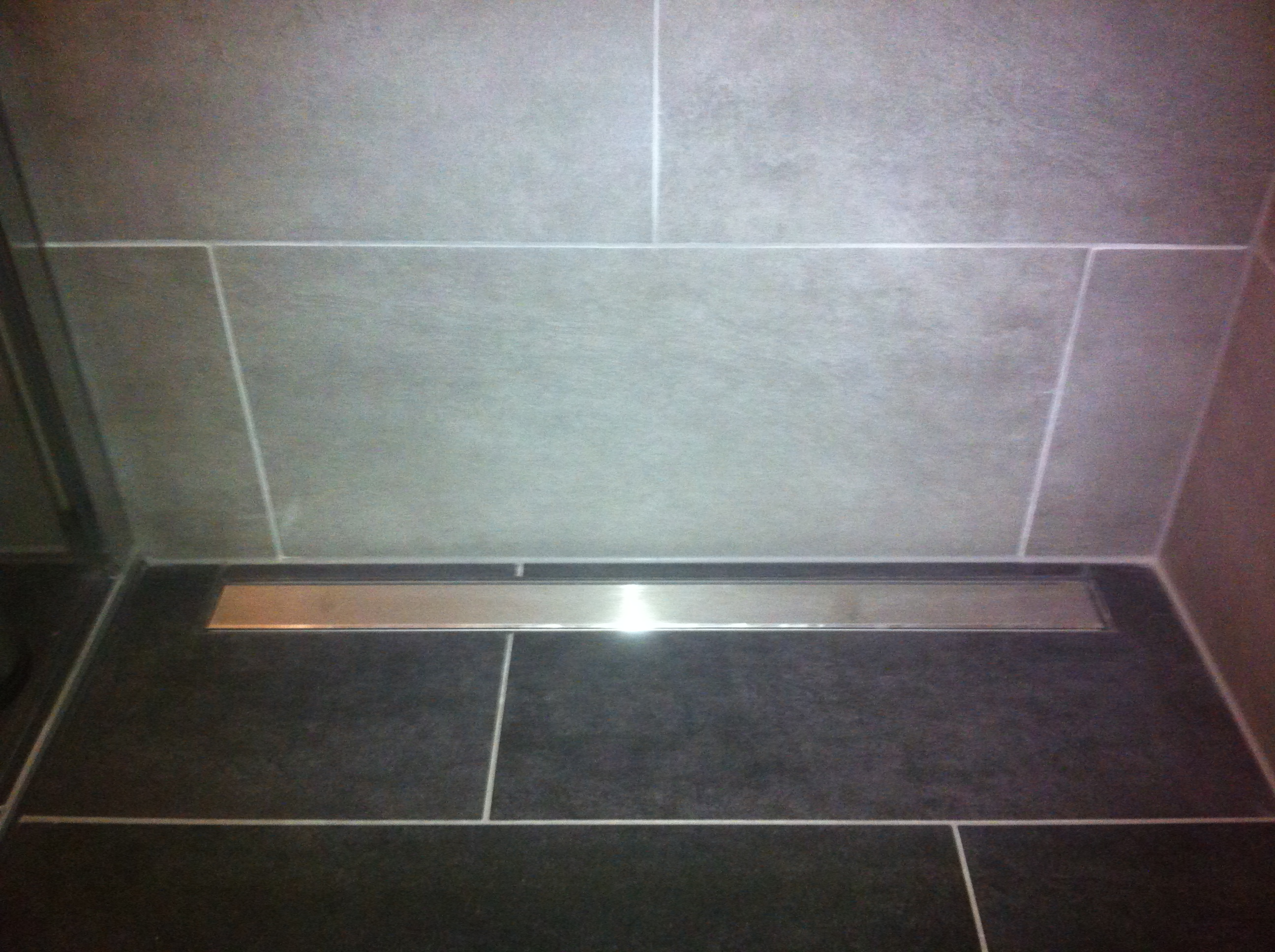 R novation d une salle de bain veyras revey s rl for Renovation carrelage sol
