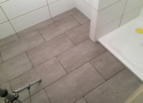 R novation d une salle de bain muraz revey s rl for Mortier joint carrelage