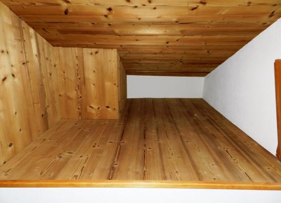 Niche de rangement (étage)