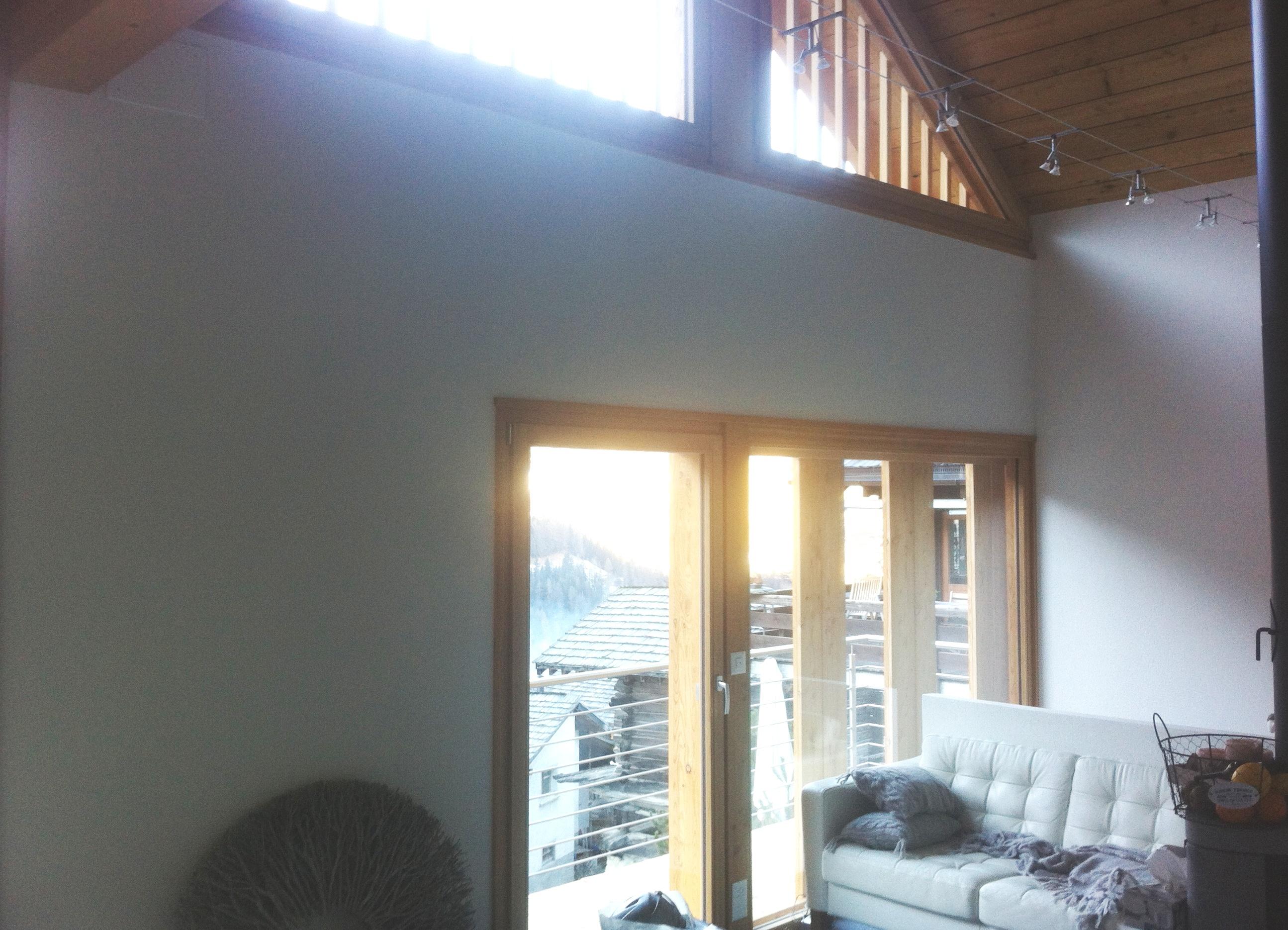 Transformation d une grange curie ayer revey s rl for Peinture sur lambris vernis