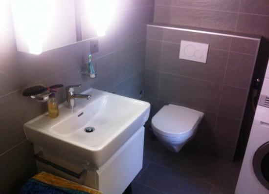 Salle de bain – lavabo et wc