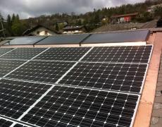 Pose de panneaux photovoltaïques et thermiques à Venthône