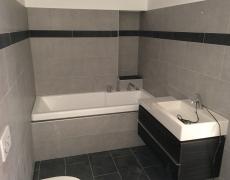 Rénovation d'une salle de bain et réfection d'un escalier (carrelage)
