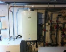 Remplacement d'une chaudière à gaz avec boiler (combiné avec production de chaleur dans le fourneau à bois)