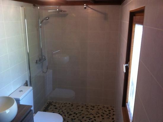 r novation d une salle de bain dans un mobile home sierre revey s rl r novation g n rale. Black Bedroom Furniture Sets. Home Design Ideas