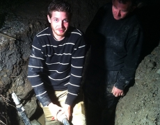 Réparation de nuit d'une conduite d'alimentation en fouille à Salquenen